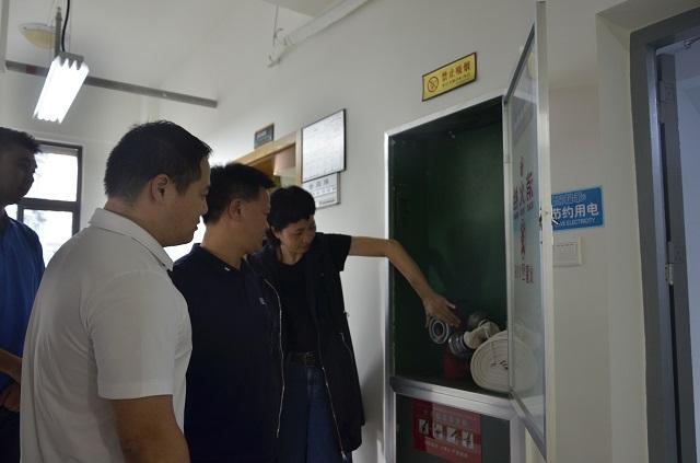 市体育局党组成员、调研员张文伟带队进行国庆节前安全生产督查工作